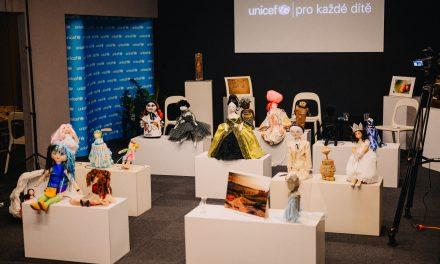 Designová díla se pro UNICEF ČR letos dražila online