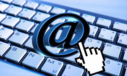 Proč nemáme v kontaktech e – mailovou adresu info@ ?