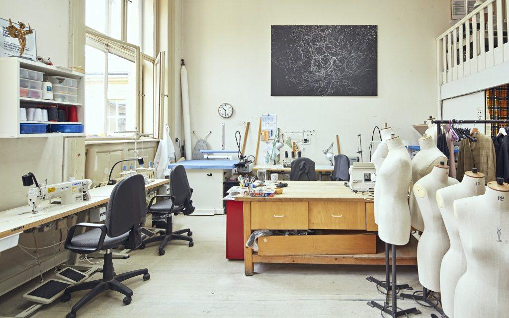 UMPRUM (Vysoká škola uměleckoprůmyslová v Praze) udržuje svoji pozici mezi 100 nejlepšími uměleckými školami
