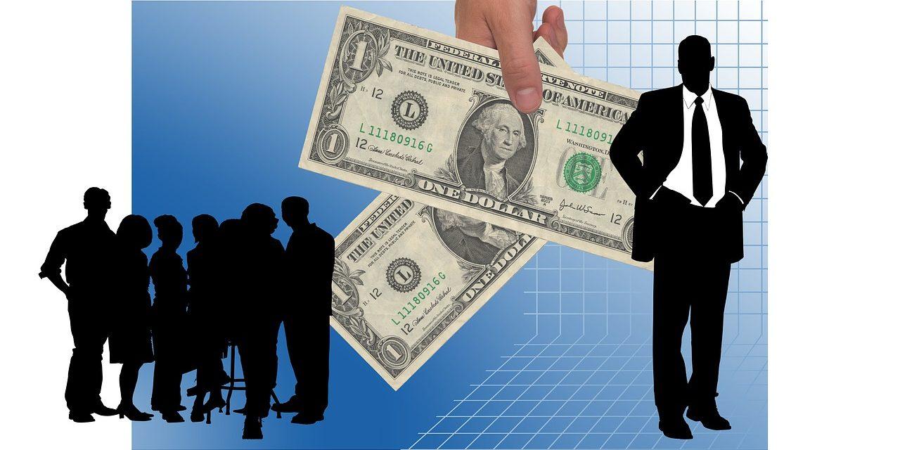 Průměrná mzda vzrostla reálně o 3,8 %
