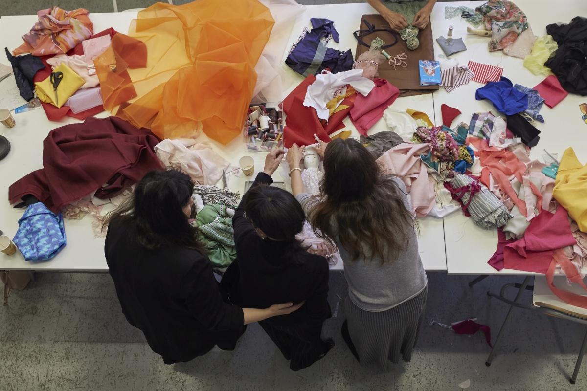 Benefiční panenky UNICEF vznikaly pod vedením Liběny Rochové