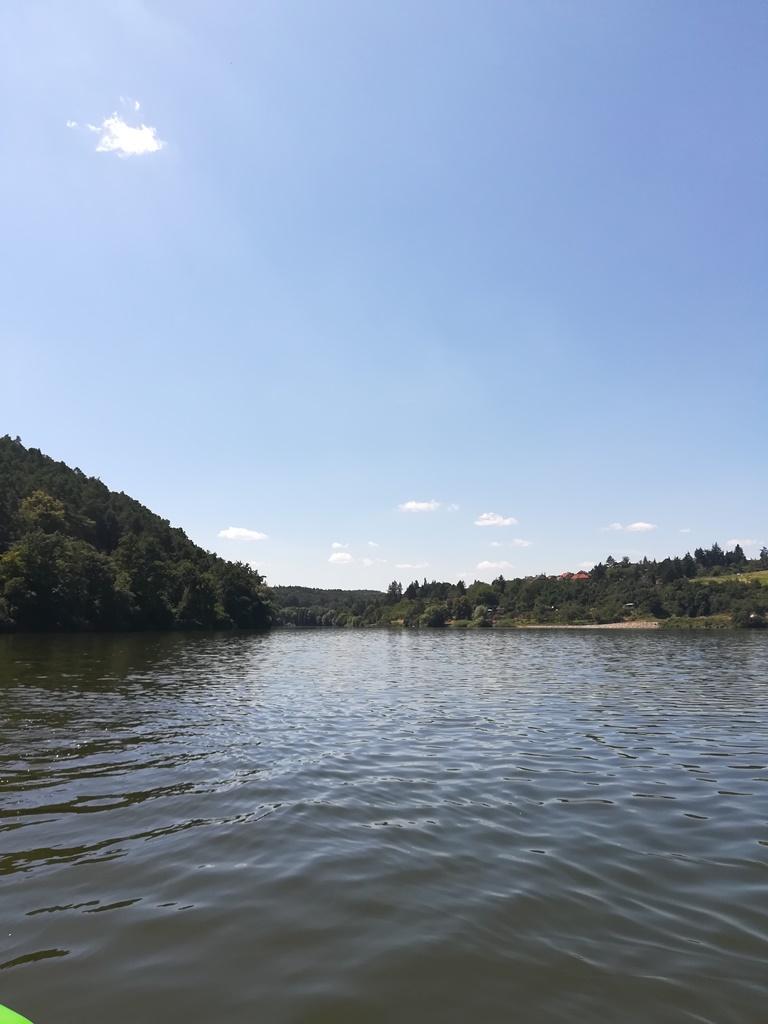 Letní nálada - návštěva přehrady, štěrkovny apod.