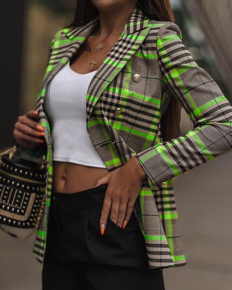 Zaujměte své okolí v dámském barevném saku inspirovaném tartanem
